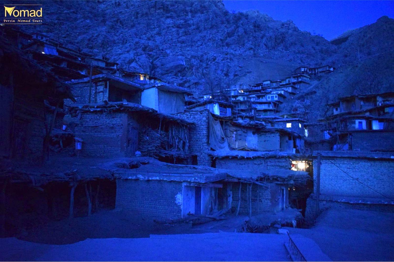 Saragha seyyed at night