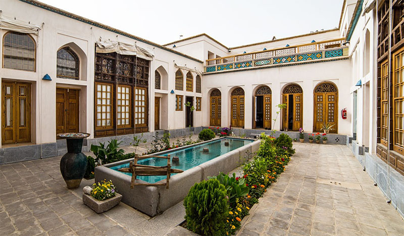 Tips for tourists in Iran- Traditional Guesthouses