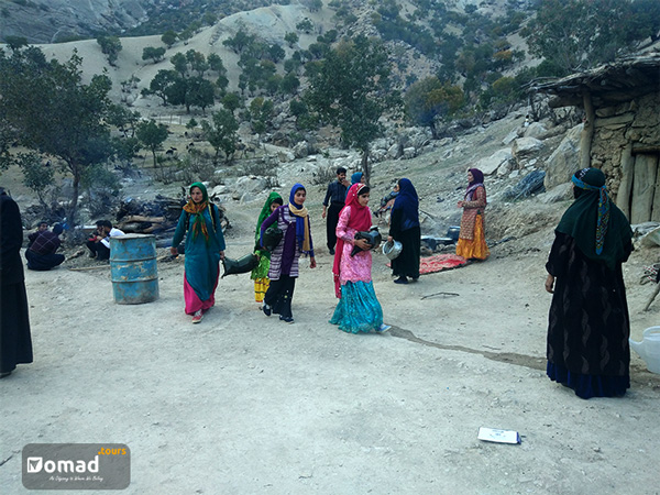 Nomad Girls Bringing Mashks