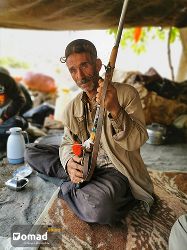 bakhtiari man iran nomad tours